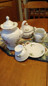 45 pc Royal Kent's collection china set for 8 Peterborough Peterborough Area image 1