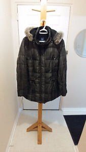 **REDUCED AGAIN!!** REITMANS grey plaid winter jacket sz.1X $50