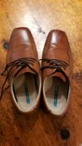 Boys Brown Leather Dress shoes size 4.5 warn once