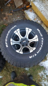 "33"" BF Goodrich mud-terrain on 0 offset dick cepek 6 bolt rims"