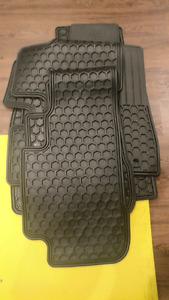 2016 Toyota Highlander floor mats
