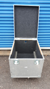 Clydesdale rolling road cases large size good wire bin on wheels