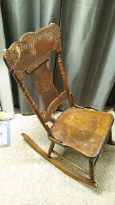 1920s/30s Antique Rocking Chair - Solid wood.