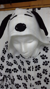 2 hooded official Peanuts' Snoopy dog onesie pajamas Large & XL