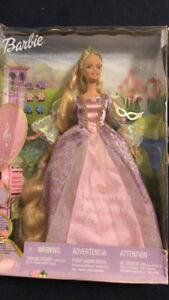 Barbie in Ball Gown - Very Collectible BNIBVIEW MY OTHER ADS!!