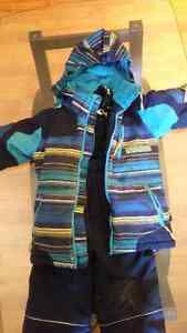 Free snowsuit Boys size 4. Needs some TLC Peterborough Peterborough Area image 1