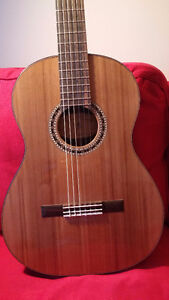 Guitare classique haut de gamme