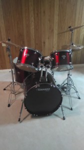 Drum kit / Tornado Drum Set