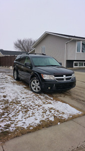 FOR QUICKLY SALE 5700 Dodge journey 2009  (AWD)