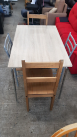 Light oak effect Dining table & chairs