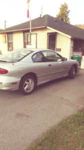 Poniac sunfire for sale ! Only 75000 kms for 800$