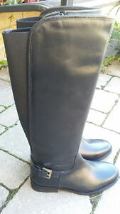 Boots brand new - left size 6, right size 8