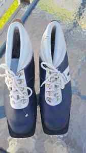 Size 44 MEN'S CROSS COUNTRY BOOTS