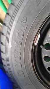 4 Dunlop winter 215.70.16 off dodge journey Oakville / Halton Region Toronto (GTA) image 2