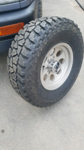 "Mickey Thompson 31"" tires 15"" rims"