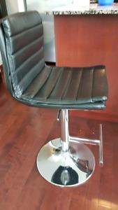 Bar chairs  - 2p.
