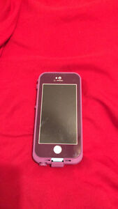 iPhone 5s . In  excellent condition! 16gs.
