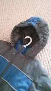 Like new size 4 snowsuit Peterborough Peterborough Area image 2