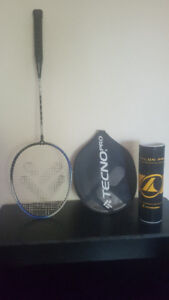 Badminton Racket W/ case and 6 birdies