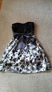 Ruby Rox grey and white flower print dress.