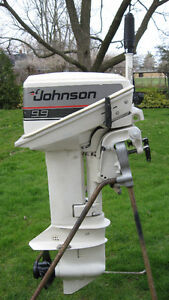9.9HP JOHNSON OUTBOARD MOTOR (1986)