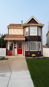 Sherwood Park, clean, quiet room with private bathroom