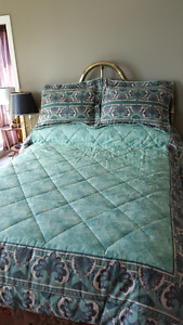 BEDSPREAD/SKIRT/PILLOW SHAMS - QUEEN SIZE