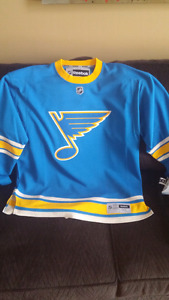 St. Louis Blues 2017 winter classic jersey xl