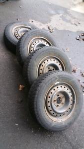 Tires 205/65/r15+ rims × 4 = 50$