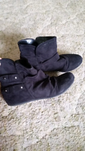 7.5 black suede ankle boot