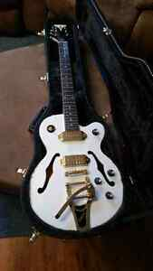 Epiphone Wild Kat Royal with case