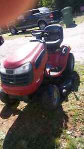 Lawn tractor.      SOLD