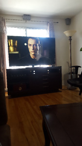 "SAMSUNG 60"" LED WITH TV TABLE 61"" x 30"" x 16 1/4"
