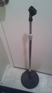 crome Microphone stand excellent condition