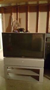 """SELLING: 47"""" Samsung Rear Projection TV w/stand"""