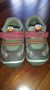 Stride Rite Elmo shoes 7.5W