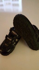 Geox 'Sport' Boys Shoes sizes US 9, Sandals size US 8.5