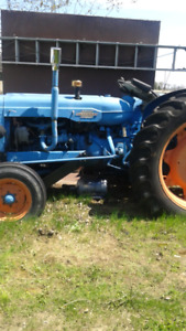 Fordson Major 4 cylinder Diesel Tractor not running needs
