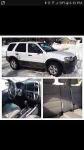 2006 Ford Escape FOR PARTS OR PART OUT