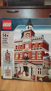 Lego City Hall