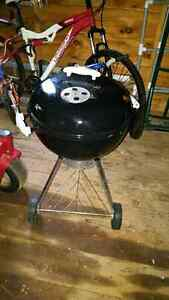 Portable weber charcoal bbq