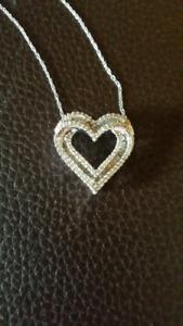 1/2cttw DIAMOND &10K WHITE GOLD HEART NECKLACE