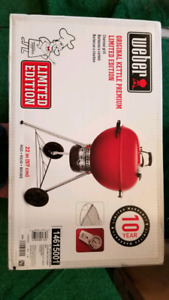 Weber Limited Edition Red 22.5 inch BBQ