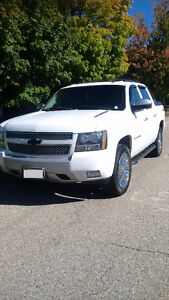 REAL NICE AVALANCHE Z71 4X4 Kitchener / Waterloo Kitchener Area image 2