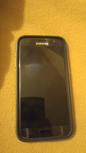 Unlocked Galaxy S7 $400  **never been out of the case**