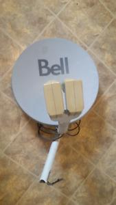 BELL EXPRESSVU SATELLITE DISH 2 X LNB 54CM