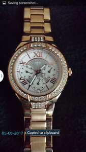 Ladies rose gold guess watch. brand new condition