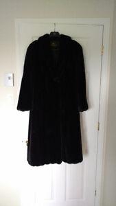 Manteau de fourrure en Vison noir, en superbe condition