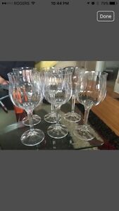 Set of 6 wine glasses in perfect condition