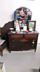 Vintage Solid Wood Double Bed and 4 Drawer Dresser with mirror f